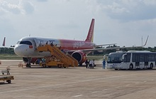 Sân bay Cần Thơ đón hơn 240 người Việt từ Singapore về nước