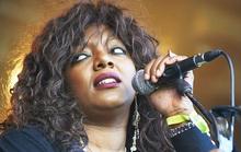 Nữ ca sĩ qua đời đột ngột chưa rõ nguyên nhân