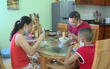 1 gia đình ở Quảng Bình về từ Đà Nẵng treo biển Nhà đi vắng để tự cách ly