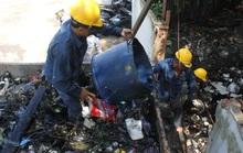Một ngày theo chân công nhân vớt rác