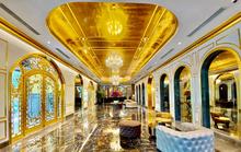 Khách sạn dát vàng từ trong ra ngoài tại Hà Nội