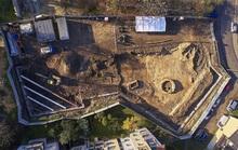 Xây nhà, công nhân lọt vào Thành Cổ Loa kỳ bí phiên bản Ba Lan