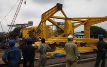 Sập cần cẩu khổng lồ, 11 công nhân bị đè chết
