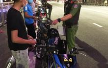 Đà Nẵng: Xử lý 8 thanh thiếu niên tụ tập có dấu hiệu đua xe máy  trong mùa dịch