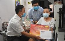 Mai Vàng nhân ái đến với NSND Đinh Bằng Phi và quái kiệt Tòng Sơn