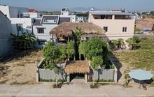Nhà mái tranh giữa phố thị