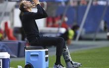 """HLV Tuchel bị phạt 30.000 euro vì PSG… """"câu giờ"""""""