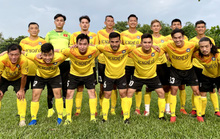 Đá tiền đạo, thủ môn Tấn Trường lập hat-trick trước giờ ra hội quân cùng Hà Nội FC