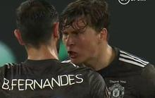 """Man Utd nhận bàn thua, Fernandes bị đồng đội xúc phạmchửi """"đồ chó"""""""