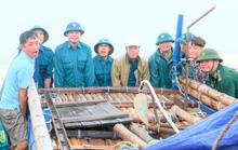 Ngư dân Thanh Hóa hối hả đưa tàu, bè vào bờ trước giờ bão số 2 đổ bộ