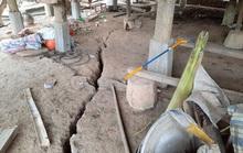 Đất nứt toác, 23 hộ dân phải di dời khẩn cấp