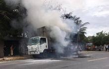 Quảng Bình: Xe tải bốc cháy, hàng chục chiếc xe đạp trên thùng bị thiêu rụi