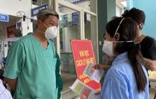 Thứ trưởng Bộ Y tế Nguyễn Trường Sơn rời Đà Nẵng sau 3 tuần thường trực ở tâm dịch