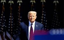 """Bầu cử Mỹ: Tổng thống Trump """"đánh phủ đầu"""" đối thủ Joe Biden"""