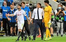 Bị chế giễu đội tóc giả, HLV Conte đòi ăn thua với tiền vệ Sevilla