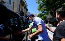Trả nửa tuần lương, Maguire mong thoát án tù 3 năm ở Hy Lạp