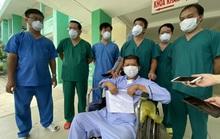 Bệnh nhân Covid-19 bước ra từ cửa tử được xuất viện