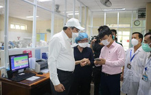 Chủ tịch Đà Nẵng kiểm tra công tác phòng chống dịch tại các điểm nóng