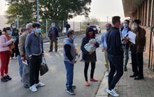 Hành trình đặc biệt của đoàn người Việt từ châu Phi về TP HCM