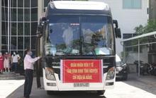 Xúc động buổi tiễn đoàn nhân viên y tế Bình Định lên đường chi viện cho Đà Nẵng