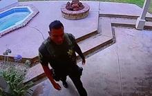 Tới điều tra, cảnh sát Mỹ ăn trộm nhà dân
