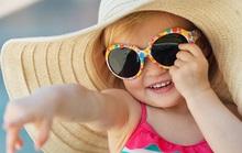 Bé dễ chảy nước mắt khi đi nắng: do ăn thiếu chất?