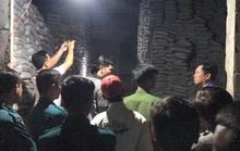 Dời hàng trong kho ga Sóng Thần, 2 công nhân bị đè chết