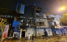 Điều tra vụ cháy chi nhánh ngân hàng và căn nhà liền kề ở quận Gò Vấp lúc 2 giờ sáng