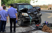 Va chạm với ôtô 7 chỗ, cặp vợ chồng đi xe máy tử vong tại chỗ