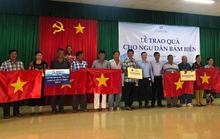 Báo Người Lao Động tặng  cờ Tổ quốc cho ngư dân huyện Đất Đỏ