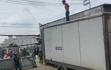 TP HCM: Khống chế kẻ ngáo đá cầm hung khí ra Quốc lộ 13 gây chuyện