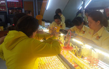 Giá vàng hôm nay 29-9: Tăng dữ dội, giới đầu tư tăng số vàng lưu kho