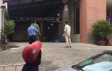 Phát hiện người đàn ông rơi từ tầng cao tòa nhà xuống tử vong
