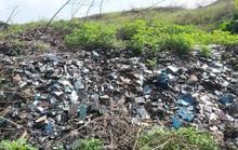 CLIP: Cận cảnh núi rác khổng lồ bị bỏ quên nhiều năm ở TP Vinh