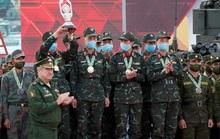 Tuyển xe tăng Việt Nam nhận cúp vô địch Army Games 2020