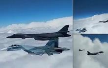 """Nga điều 8 chiến đấu cơ chặn """"pháo đài bay"""" của Mỹ trên biển Đen"""
