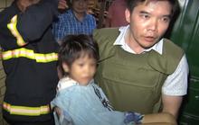 Nghẹt thở giải cứu bé gái 6 tuổi bị cha bạo hành nhiều ngày đến gãy tay, thu súng K59