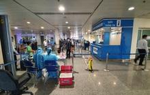 Hành khách bay từ Đà Nẵng vào TP HCM được xét nghiệm Covid-19 thế nào?