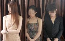 8 nam, 2 nữ rủ nhau làm liều trong cơ sở kinh doanh đang sửa chữa