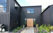 Kiến trúc sư xây dinh thự từ 12 container