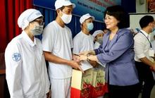 Bình Dương: Phó Chủ tịch nước Đặng Thị Ngọc Thịnh thăm, tặng quà công nhân