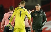 HLV Solskjaer nói gì khi Man United thua đội chót bảng, mất ngôi đầu?