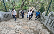 """Doanh nghiệp du lịch lại """"ngồi trên lửa"""" sau các ca Covid-19 ở Quảng Ninh, Hải Dương"""