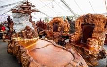 Ngắm bộ bàn ghế Cửu lân quần tụ mạ vàng giá 3 tỉ đồng