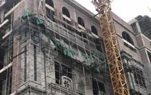 Giàn giáo trung tâm thương mại cao tầng bất ngờ đổ sập, nhiều công nhân gặp nạn