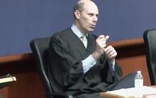 Thẩm phán Mỹ cảnh báo luật sư thân Tổng thống Trump