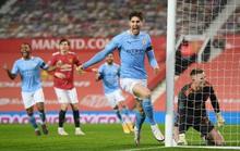 Lập cú đúp ở Old Trafford, Man City đoạt vé chung kết League Cup