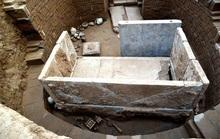 Bí ẩn mộ cổ cặp đôi 1.400 tuổi nằm giữa kho báu xa hoa