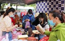 Hàng ngàn công nhân tham dự Phiên chợ nghĩa tình