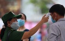 [Video] - Du khách tham quan đường hoa Nguyễn Huệ thực hiện tốt 5K